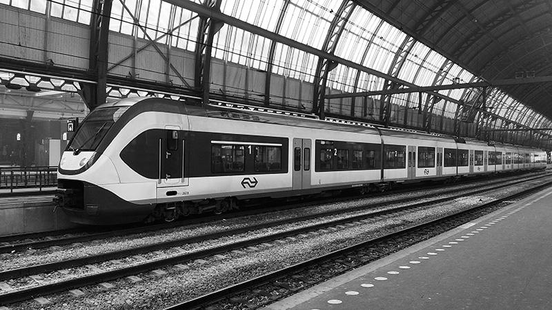 Din 2017, trenurile din Olanda folosesc 100% energia eoliană