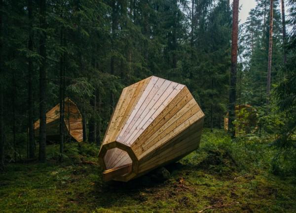 Megafoane gigantice din lemn amplifică sunetele unei păduri din Estonia
