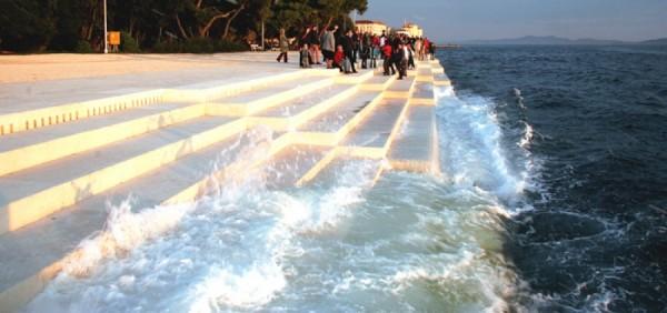 Orga Mării - un instrument muzical experimental, care produce sunete cu ajutorul mării
