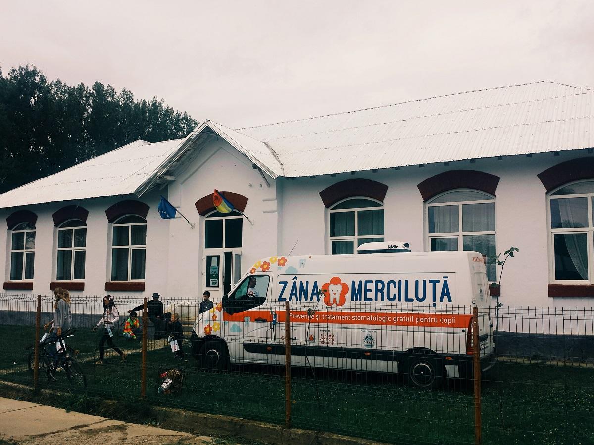 Zâna Merciluță, primul cabinet stomatologic mobil care oferă servicii gratuite pentru copiii cu afecțiuni oncologice și cei din zonele rurale