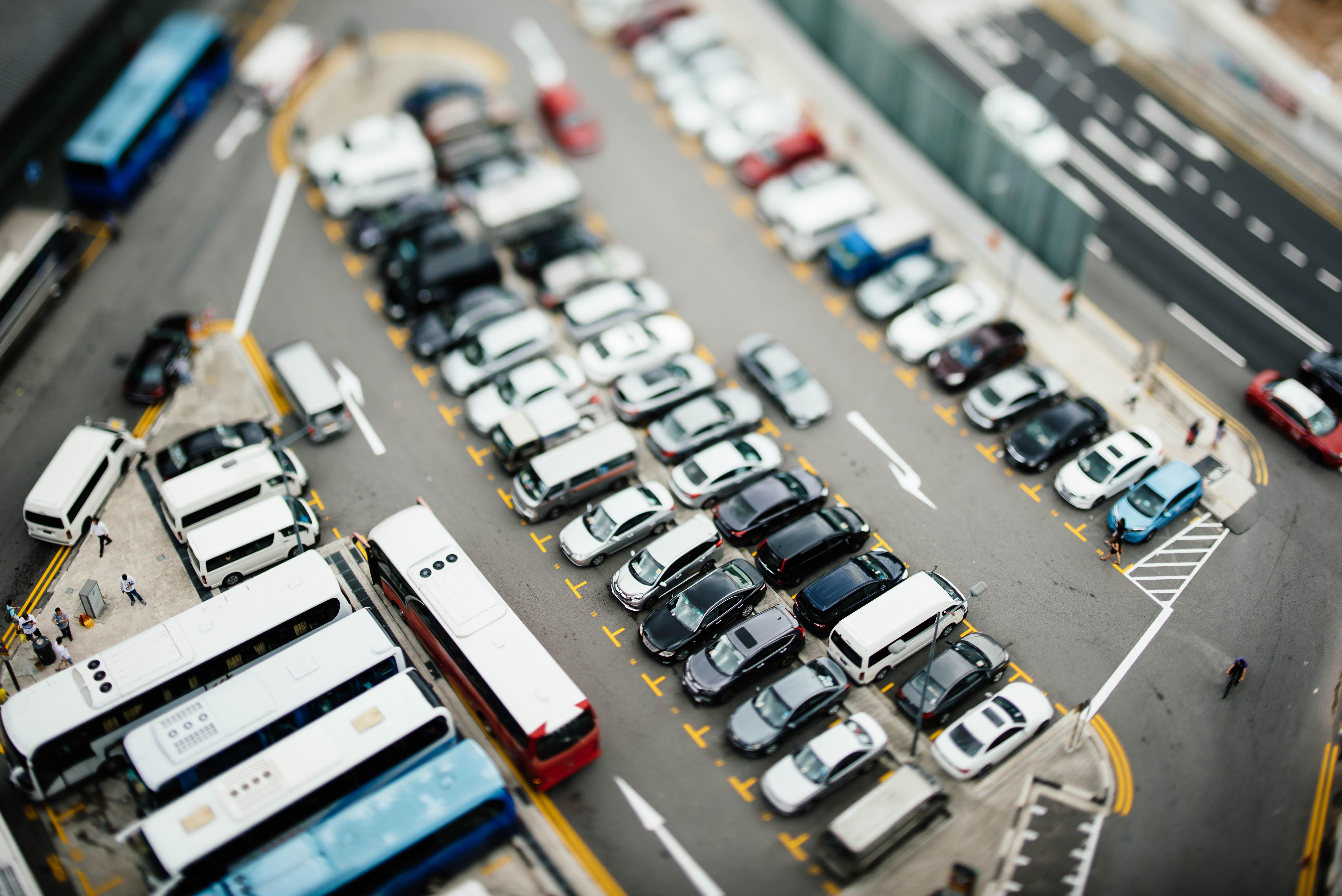 Aberațiile unui regulament de atribuire, prin licitație, a locurilor din parcările de reședință. Sector 3, București