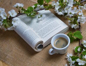 #StămAcasă și citim
